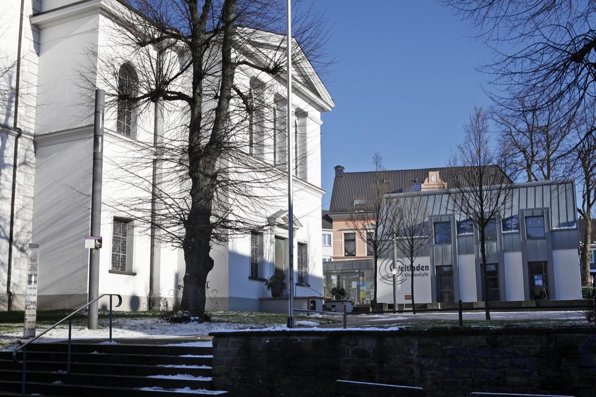 Kircheplatz Walder Kriche